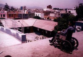 A mix of the old and new building of CASP (in 2002) / Combinación del edificio nuevo y antiguo del CASP